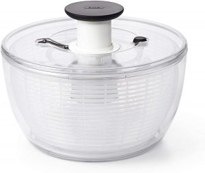 We've looked at numerous salad spinners on the market and the OXO Good Grips Salad Spinner consistently comes out on top. This kitchen essential is no newbie and has been available since 2015 and yet it still tops the charts as the best buy in its category. So why is this particular salad spinner so highly rated